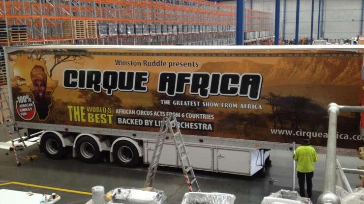 CIRQUE AFRICA - Trailer Install